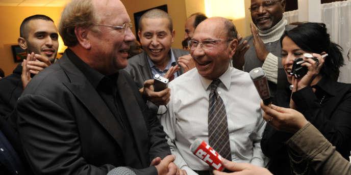 Jean-Pierre Bechter a succédé à Serge Dassault (à droite) à la mairie de Corbeil-Essonnes en 2009.