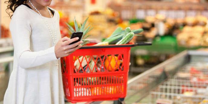 Trente-huit pour cent des mobinautes surfent sur leur smartphone pour réaliser leurs achats en magasin.