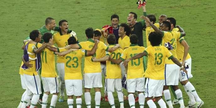 Les joueurs brésiliens, dimanche 30 juin, après leur victoire dans la Coupe des confédérations face à l'Espagne.