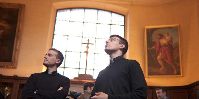 Guillaume Dupont et Antoine Rolland-Gosselin à la cathédrale de Versailles, le 28 juin.