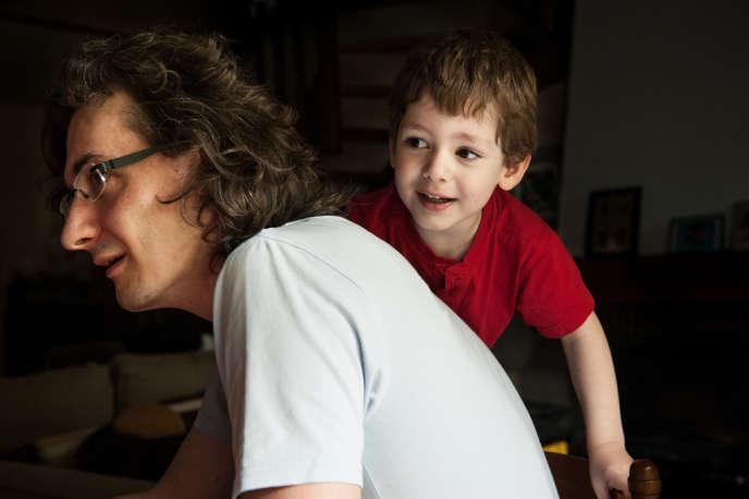 Florian Bricogne et son fils. Le jeune papa dit ne s'être jamais senti