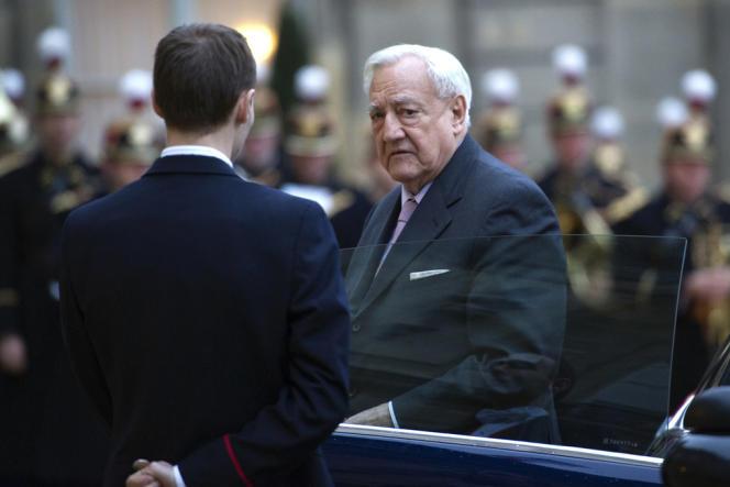 Christian Poncelet, à l'Elysée le 12 janvier 2011.