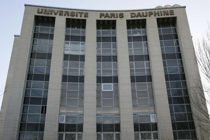 L'université Paris-Dauphine a décidé d'augmenter en 2014 les droits d'inscription de certains cursus pour les familles les plus aisées.