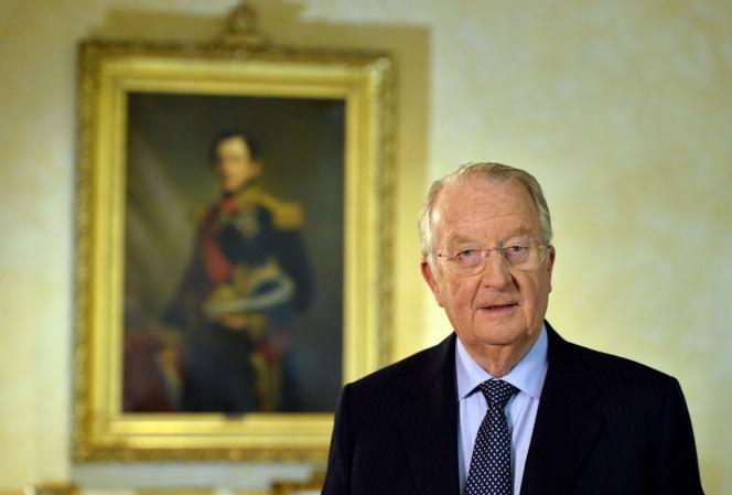 Le roi Albert II lors de l'allocution télévisée où il a annoncé son abdication, mercredi soir.