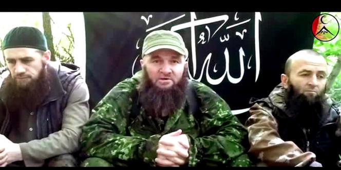 Dans ce message, filmé dans une forêt, Dokou Oumarov appelle les rebelles islamistes