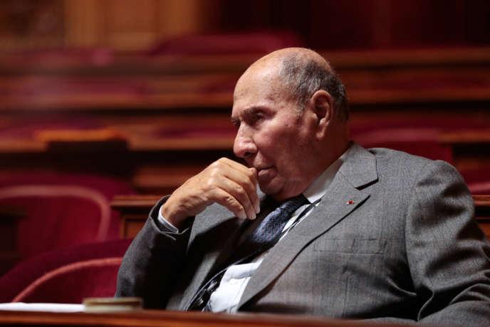 Serge Dassault demandait le retrait et l'interdiction de toute retranscription d'une conversation téléphonique – ici M. Dassault le 20 décembre 2012 au Sénat.