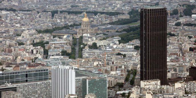Vue aérienne de Paris, la tour Montparnasse à droite.