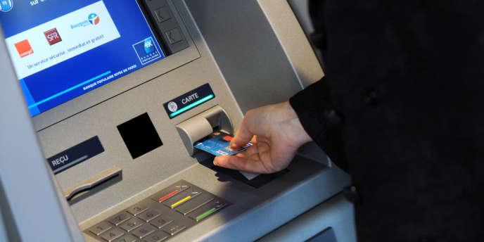 Les autorités bruxelloises entendent aujourd'hui limiter les commissions à 0,2 % de la valeur de la transaction pour les cartes de débit et à 0,3 %, pour les cartes de crédit.