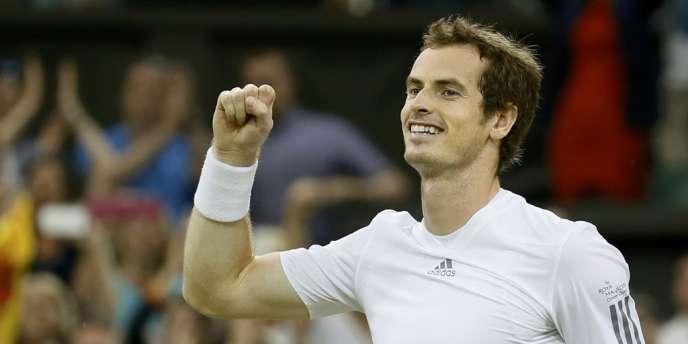 Le Britannique Andy Murray s'est qualifié pour sa deuxième finale consécutive à Wimbledon. Il affrontera dimanche le Serbe Novak Djokovic.