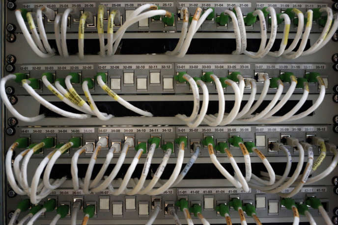Le pouvoir de sanction de l'autorité de régulation des télécommunications ne respecterait pas le principe de séparation des pouvoirs d'instruction et de sanction.