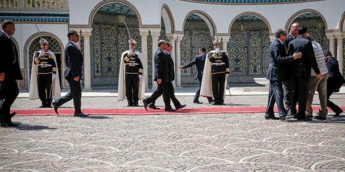 François Hollande et le président tunisien Moncef Marzouki, au Palais de Carthage, en Tunisie, jeudi 4 juillet.