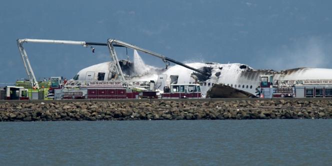 Un avion de la compagnie Asiana Airlines s'est écrasé sur l'aéroport de San Fransisco à l'atterrissage, le 6 juillet.