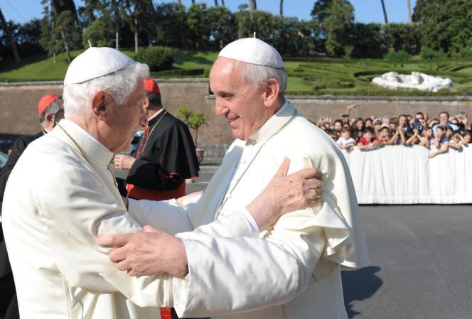 Benoît XVI et François, le 5 juillet au Vatican.