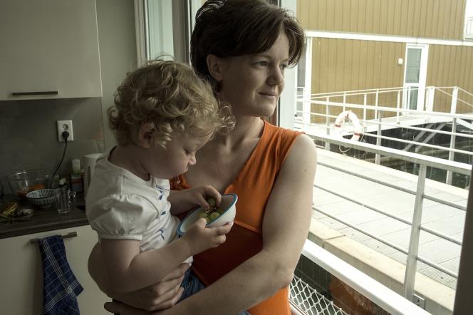Maartje Ramaekers, conseillère médicale de 35 ans, vit dans une maison flottante.