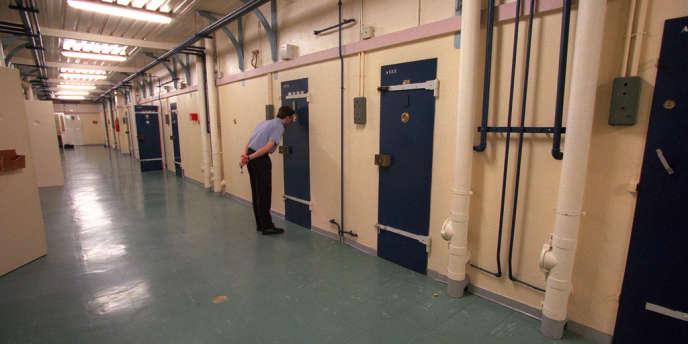L'administration pénitentiaire dénombre 68 569 détenus au 1er juillet 2013.