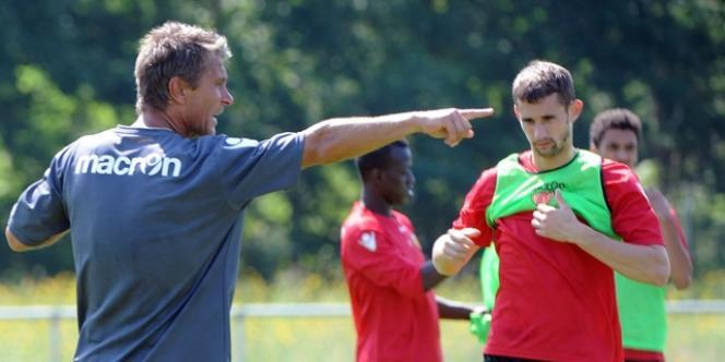 L'entraîneur du Mans FC, Régis Berandeau à l'entrainement, le 10 juin.