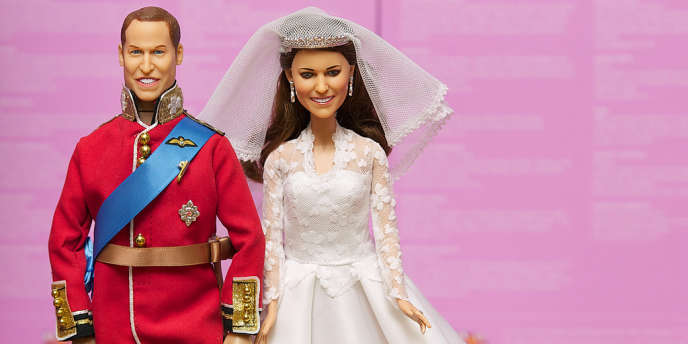 Poupées à l'effigie du prince William et de la duchesse Catherine, en vente à Londres.