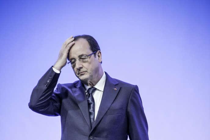 François Hollande en visite dans l'usine des laboratoires Pierre Fabre de Soual (Tarn), le 30 mai 2013.