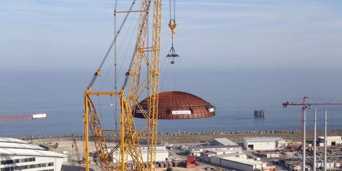 Sur le chantier du réacteur nucléaire EPR de Flamanville, 460 travailleurs détachés non déclarés auraient travaillé. L'affaire sera jugée au tribunal correctionnel de Cherbourg du 21 au 23 octobre,