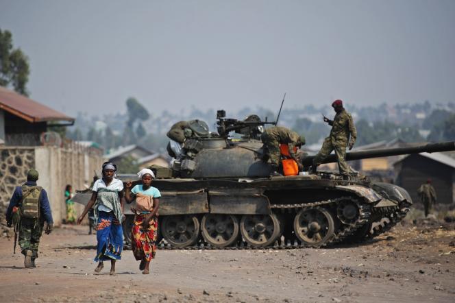Un tank de l'armée régulière près de Goma, en République démocratique du Congo, en juillet.