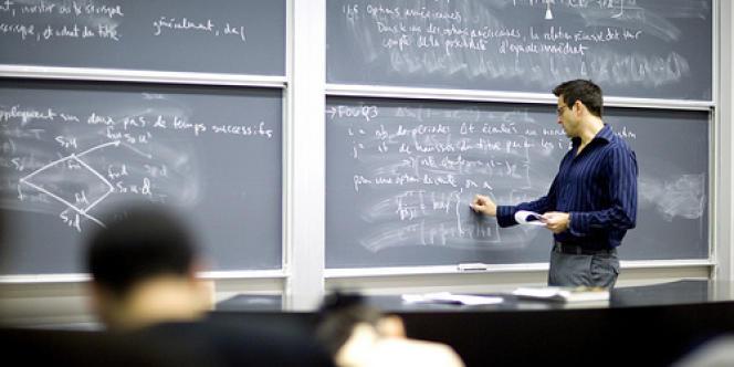 Le recrutement des professeurs a augmenté de 39 % à l'issue des concours 2013.