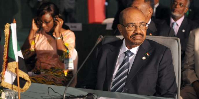 Le président soudanais Omar El-Béchir lors du sommet de l'Union africaine sur le sida, le 15 juillet 2013.