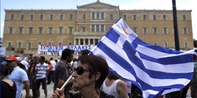 Manifestation devant le Parlement grec en juillet pendant une grève générale.