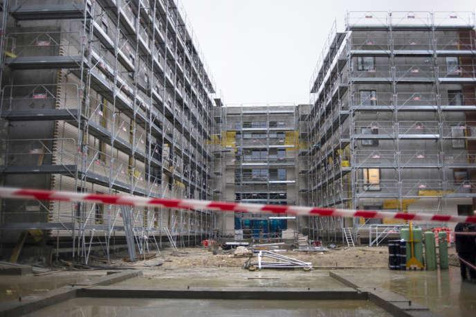 «Le législateur ne doit pas créer les conditions qui fabriquent aujourd'hui, les quartiers dégradés de demain» (photo : construction de logements sociaux à L'Hay-les-Roses, Val-de-Marne).
