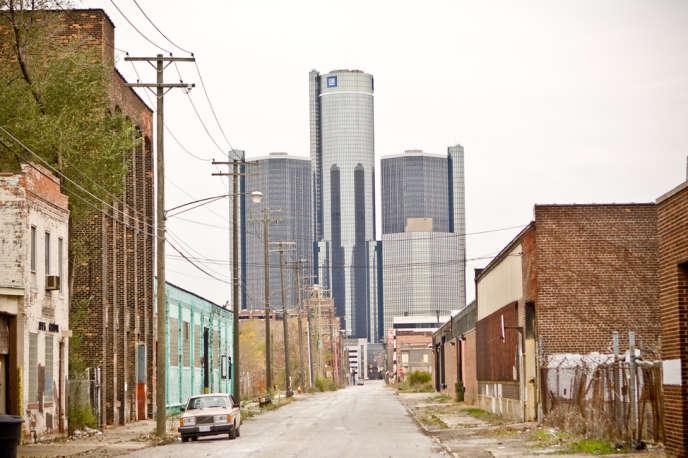 La capitale économique de l'Etat du Michigan accueille le siège social de General Motors. Selon le gouverneur républicain de l'Etat, Rick Snyder, la ville compte 78 000 bâtiments abandonnés.