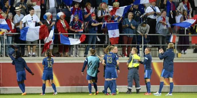 Les Françaises ont terminé en tête du groupe C et affronteront le Danemark en quart de finale lundi.