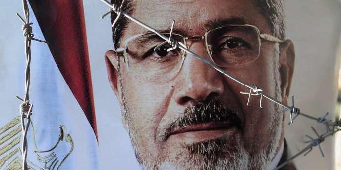 La confrontation entre les juges et les Frères a commencé dès l'entrée en fonction du président islamiste.