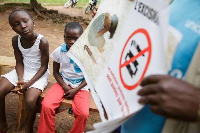 En Côte d'Ivoire, à Katiola, lors d'une opération de sensibilisation menée par l'Unicef, en juillet.