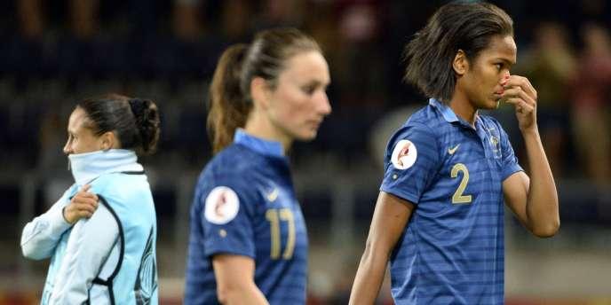 La déception de Wendie Renard (à droite) et Gaetane Thiney après leur élimination en quart de finale de l'Euro, lundi soir en Suède.