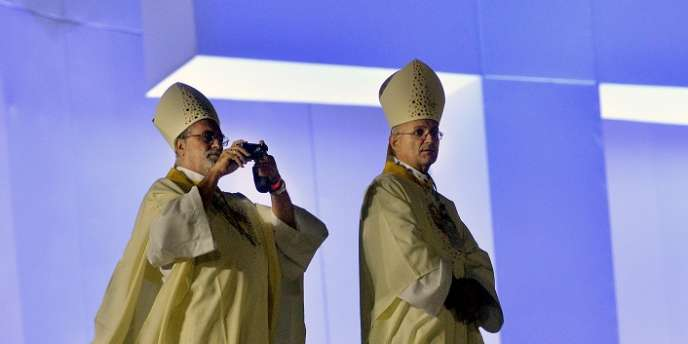 Près de 560 000 personnes ont assisté à la messe d'ouverture des JMJ à Rio, mardi 23 juillet.