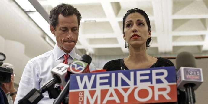 En 2011, Anthony Weiner avait admis avoir tweeté par erreur une photo de son slip bombé en gros plan et été contraint de quitter la politique.