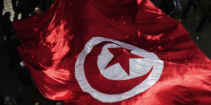 Plus de deux ans après la révolution, le regard de l'immigration tunisienne sur le pionnier des printemps arabes est loin d'être monolithique.