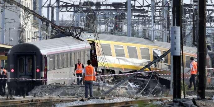 A 150 mètres au nord de la gare de Brétigny, le troisième wagon du convoi est venu buter contre une éclisse, une sorte d'agrafe reliant deux rails.