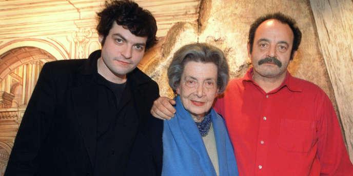 Matthieu, Andrée (disparue en 2011) et Louis Chedid, à Reims en 2001.