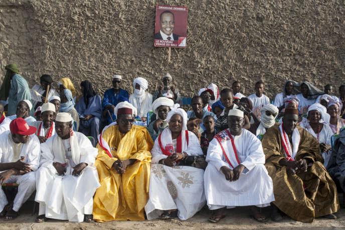 Cérémonie de soutien à la candidature de Dramane Dembele, du parti Adema, très populaire auprès des jeunes Maliens.