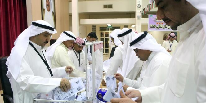 Dépouillements des votes, samedi 27 juillet au Koweït.