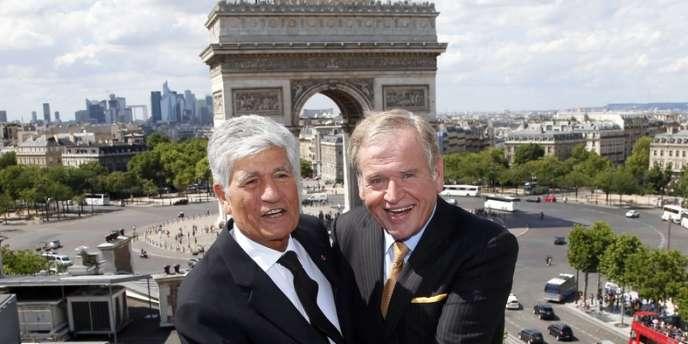 Maurice Lévy, patron de Publicis (à gauche) et le PDG d'Omnicom John Wren, à Paris le 28 juillet au moment de l'annonce de la fusion de leurs groupes.