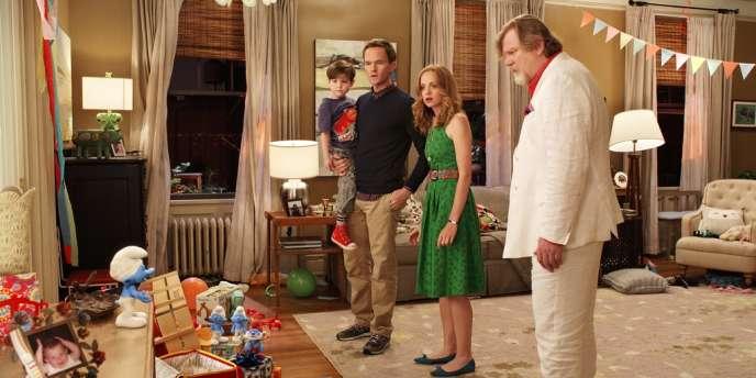 Neil Patrick Harris, Jayma Mays, Brendan Gleeson et un schtroumpf, dans Schtroumpfs 2, de Raja Gosnell