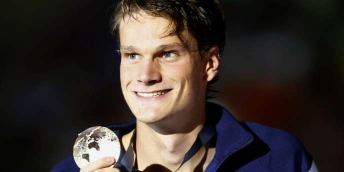 A 21 ans, Yannick Agnel devient le seul Français, avec Laure Manaudou, à détenir simultanément les titres de champion du monde et de champion olympique.