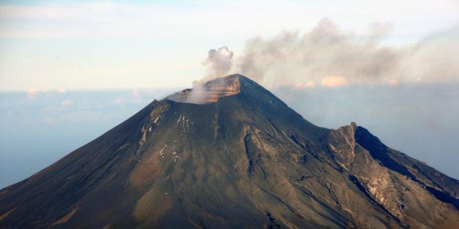 Le volcan mexicain Popocatepetl, le 23 juillet 2013.