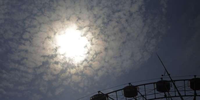 Des températures record, inédites depuis 140 ans dans l'est de la Chine, de près de 40 °C, ont provoqué la mort d'une dizaine de personnes.