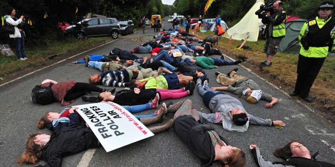 Des militants anti-gaz de schiste à Balcombe, au Royaume-Uni, le 31 juillet.