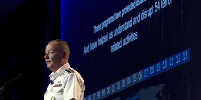 Keith Alexander lors de la conférence Black Hat, à las Vegas, le 31 juillet.