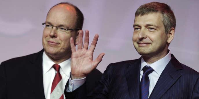 Dmitry Rybolovlev (à droite) en compagnie du Prince Albert, le 31 mai à Monaco.