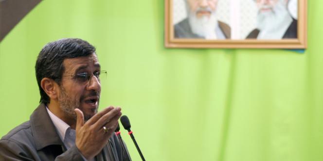 L'ex-président Mahmoud Ahmadinejad a accusé Israël d'être enchanté par les troubles en Syrie.