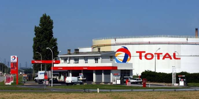 Les bénéfices de Total ont baissé de 20 % en 2013.